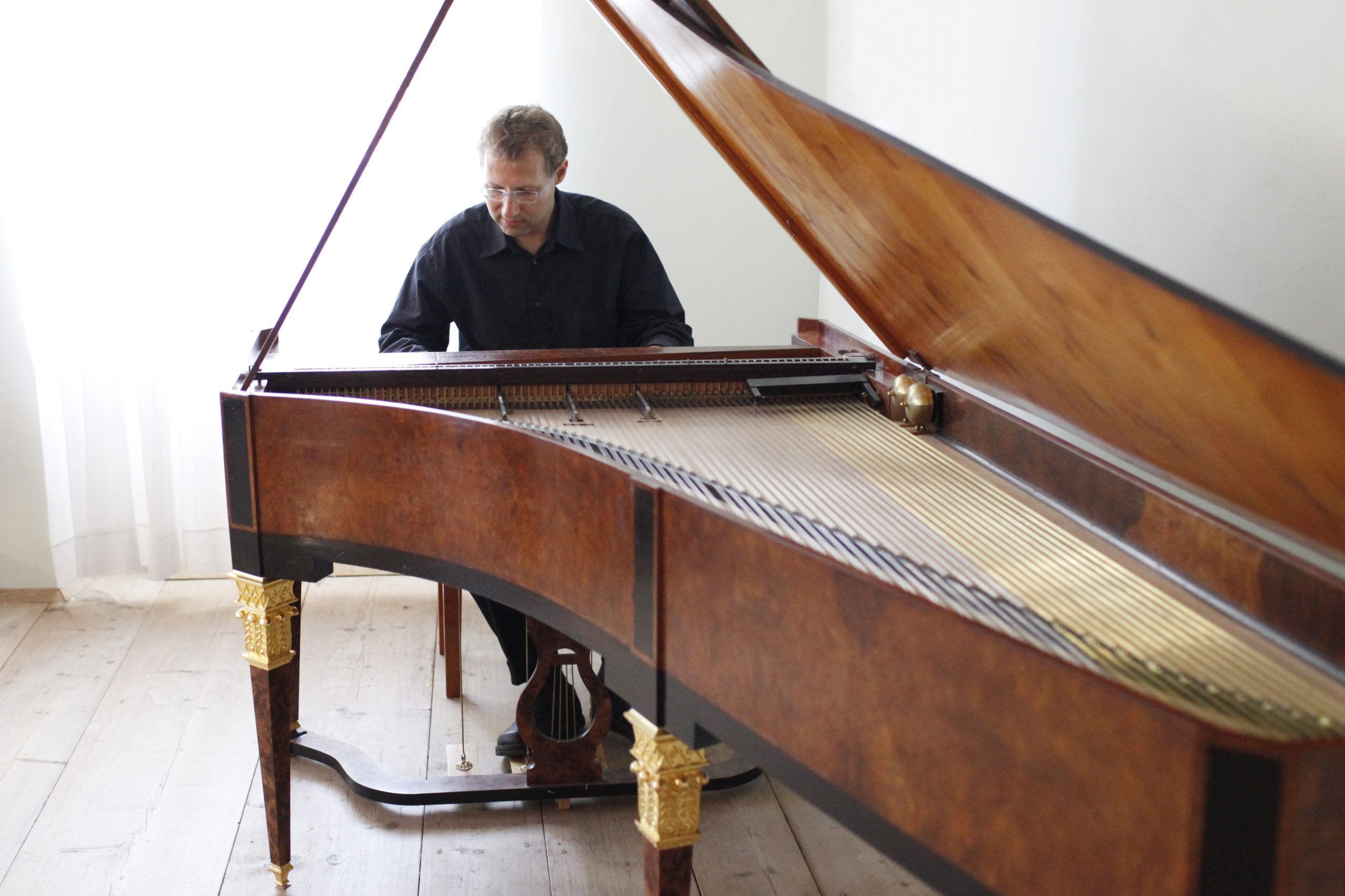 Bernhard Pötsch am Klavier